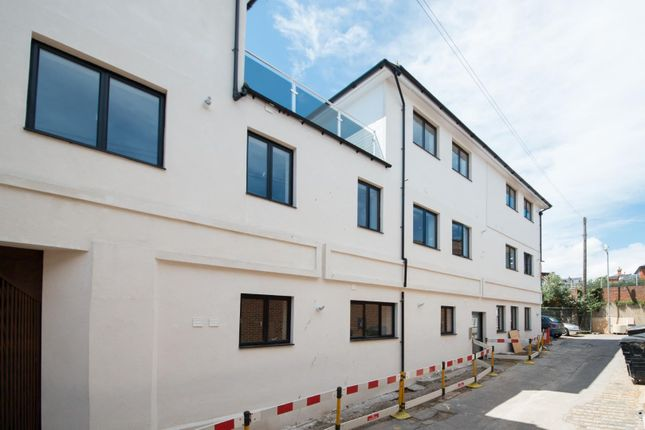 Flat for sale in Archway Road, Ramsgate