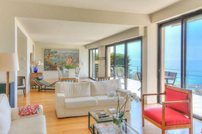 Menton - Superb 4 Bedroom Villa With Studio