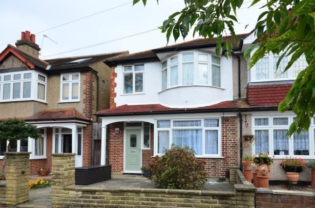 Thumbnail Terraced house for sale in Ranfurly Road, Sutton