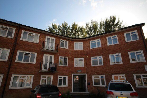 Thumbnail Flat to rent in Waverley Court, Bishopric, Horsham