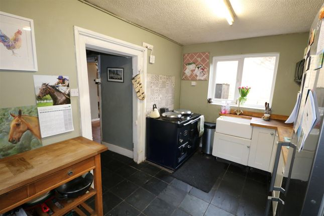 Kitchen of Moorend, Hartpury, Gloucester GL19