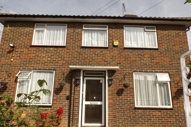 Thumbnail Detached house to rent in Long Readings Lane, Slough