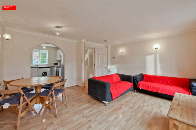 Thumbnail Terraced house to rent in Cahir Street, Isle Of Dogs, Canary Wharf, Docklands