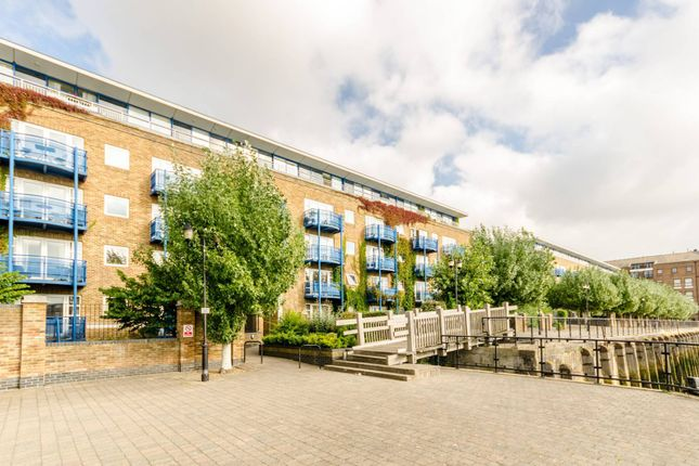 2 bed flat for sale in Mauretania Building, Wapping