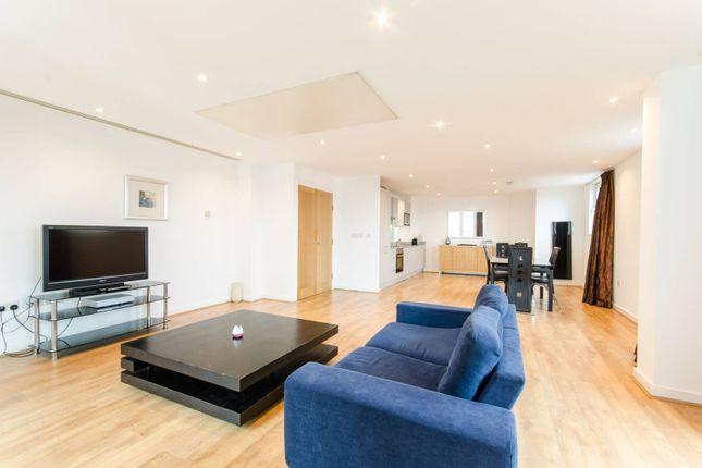 Thumbnail Flat to rent in Salamanca Square, Southwark