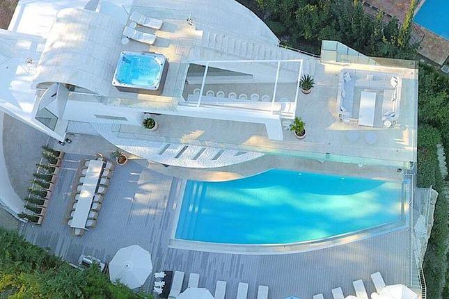 Thumbnail Villa for sale in Urb. Los Naranjos De Marbella, Fase 3, Nº 1, 29660 Marbella, Málaga, Spain