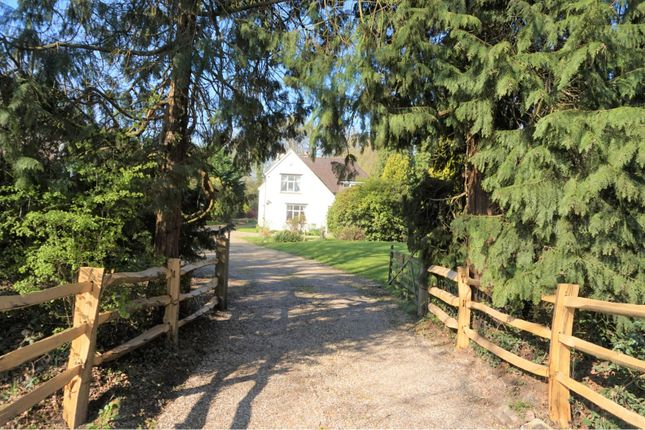 Thumbnail Detached house for sale in Balcombe Road, Horley