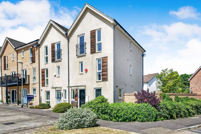 Thumbnail End terrace house to rent in Austin Way, Bracknell