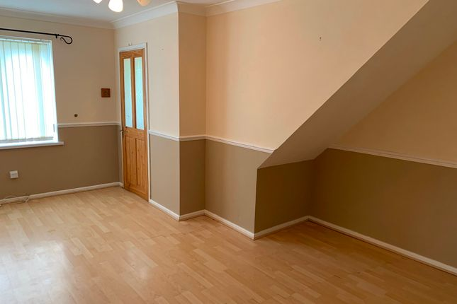 2 bed terraced house to rent in Dale Close, Fforestfach, Swansea SA5