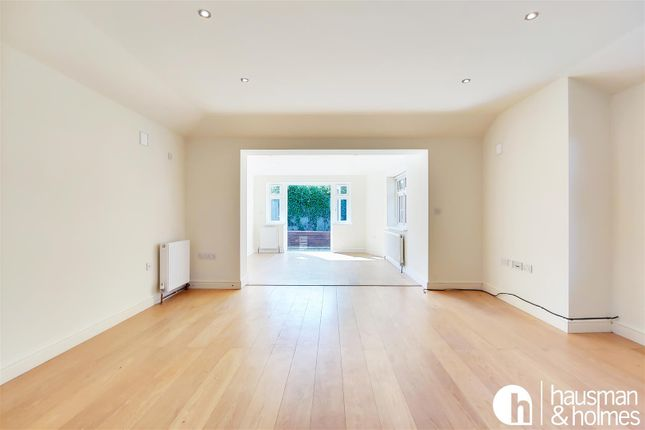 Thumbnail Bungalow for sale in Wayside, London