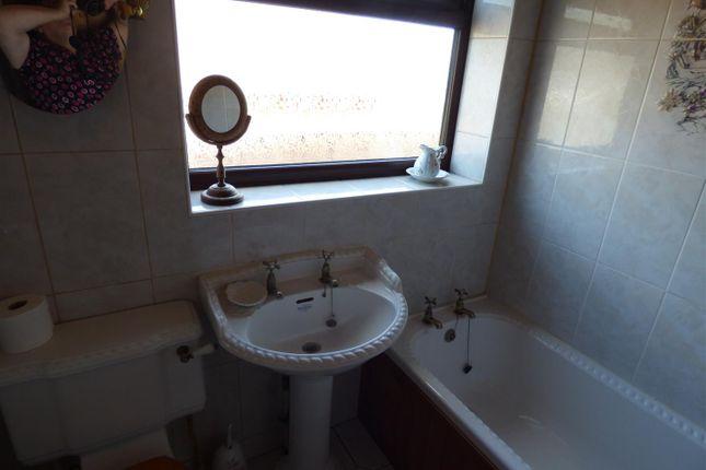 Bathrooom of Broomfield Close, Sandiacre, Nottingham NG10