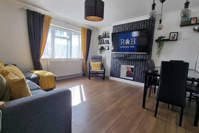 Thumbnail Maisonette to rent in Carleton Road, Cheshunt, Waltham Cross