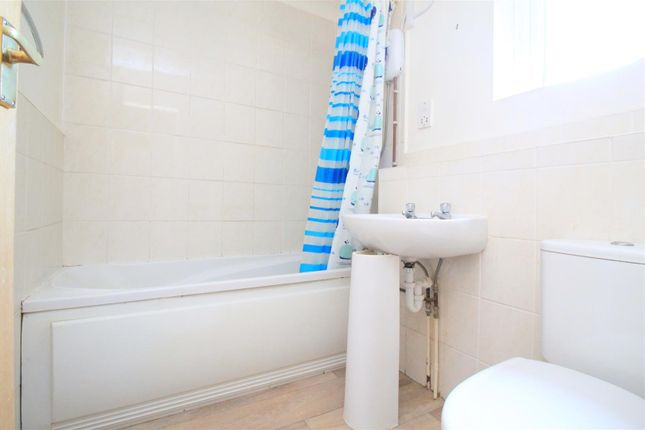 Bathroom of Cokeham Road, Sompting, Lancing BN15