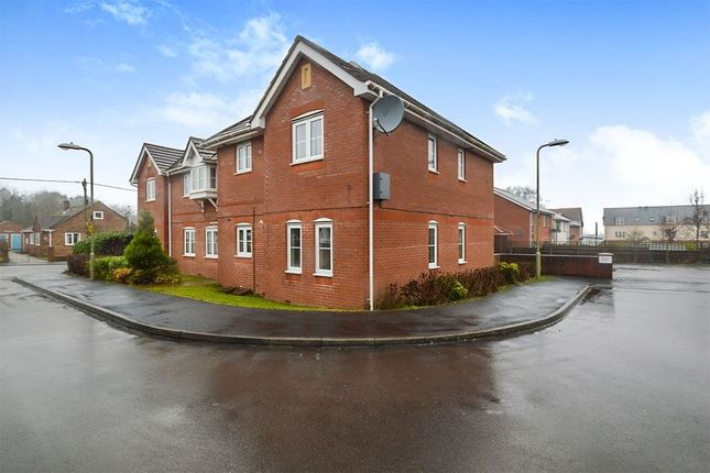 Thumbnail Flat for sale in Spinney Road, Ludgershall, Andover