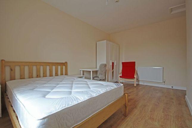 Thumbnail Property to rent in Room 5, 128 Tutbury Road, Burton