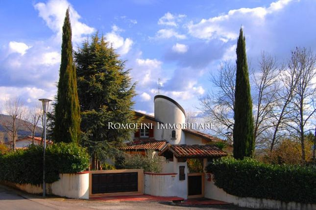 5 bed villa for sale in Sansepolcro, Tuscany, Italy
