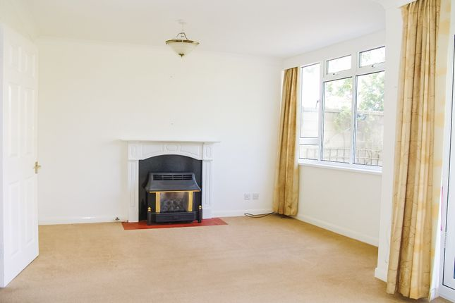 Living Room of Chatham Park, Off Bathwick Hill, Bath BA2
