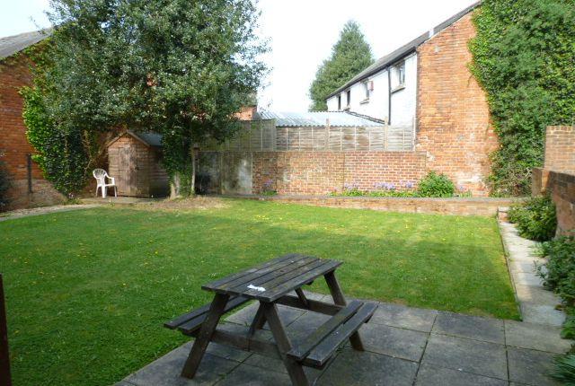 Communal Garden of Prospect Street, Caversham, Reading RG4