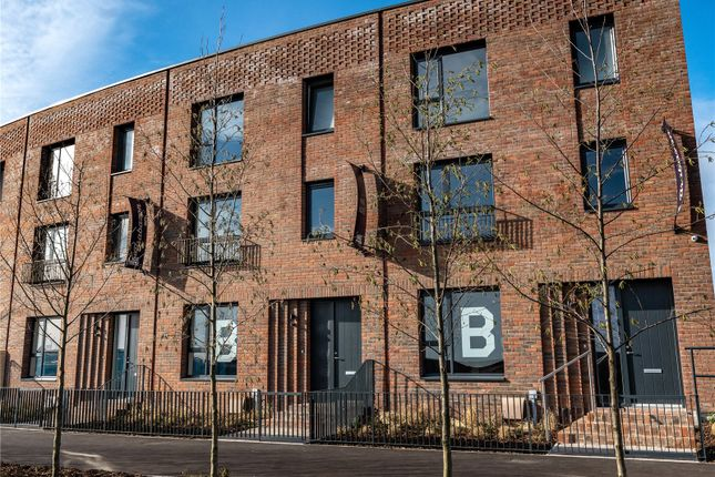 3 bed terraced house for sale in Fairlawn Avenue, Patchway, Bristol BS34