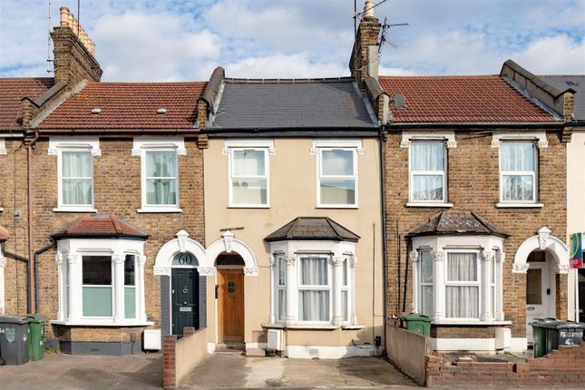 1 bed flat for sale in Chingford Road, London E17