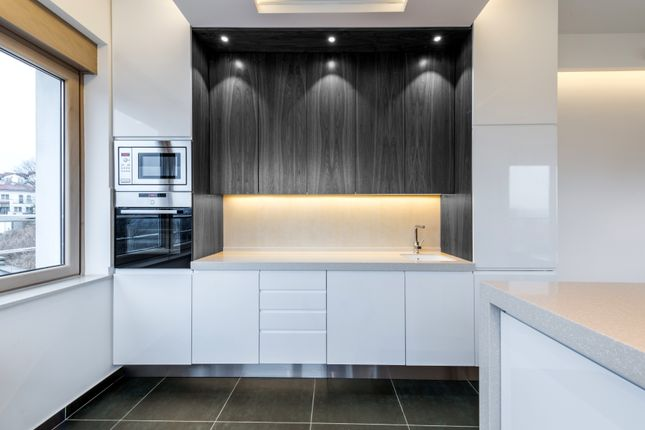 1 bedroom flat for sale in Buy To Let Flats, Park Cross Street, Leeds