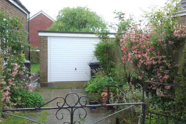 Picture No. 23 of Sun Hill Crescent, Alresford, Hampshire SO24