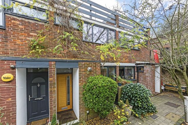 Thumbnail Property for sale in Netherleigh Close, Hornsey Lane, London