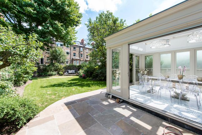 Thumbnail Flat to rent in Belsize Park Gardens, Belsize Park, London NW3.