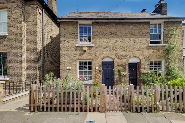 Thumbnail Cottage to rent in Vicars Moor Lane, Winchmore Hill