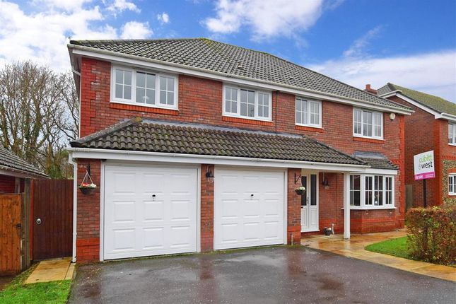 Thumbnail Detached house for sale in Covert Mead, Ashington, West Sussex