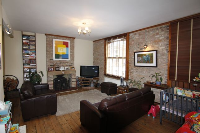 Thumbnail Mews house to rent in Eaton Grove, Hove