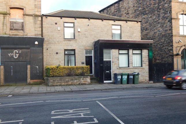 Front View of Bradford Road, Batley WF17