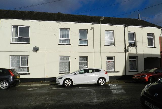 Thumbnail Flat to rent in Deans Court, Dean Street, Aberdare