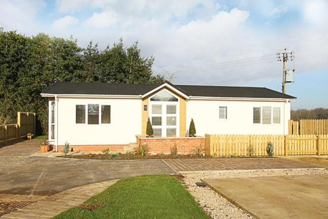 Thumbnail Mobile/park home for sale in Bramley New Park, Marsh Lane, Sheffield, Derbyshire