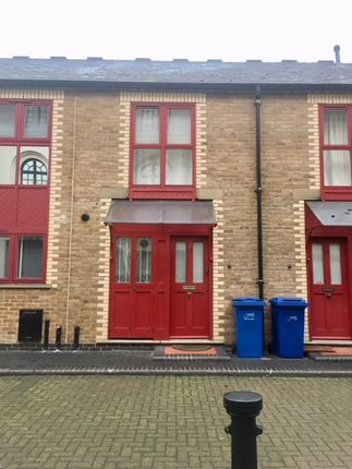 2 bed terraced house to rent in Gainsford Street, London