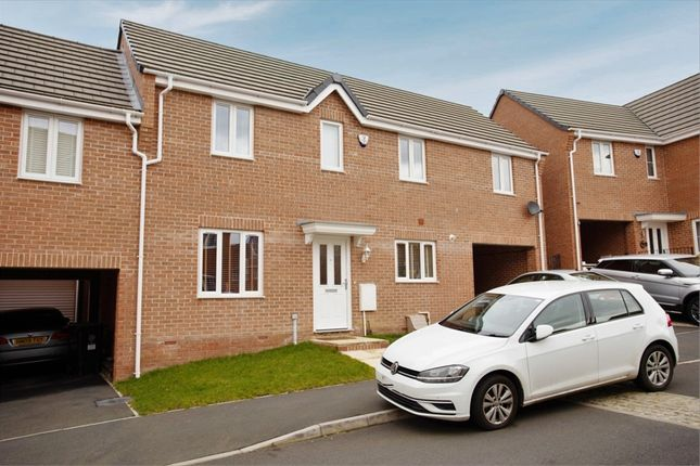 3 bed link-detached house for sale in Steeple Way, Rushden, Northamptonshire NN10