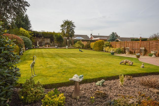 Gardens of Georges Lane, Calverton, Nottingham NG14