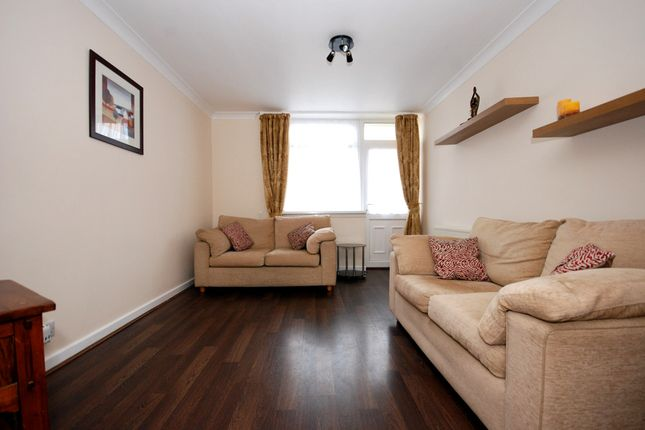 Thumbnail Flat to rent in Compass Road, Hull