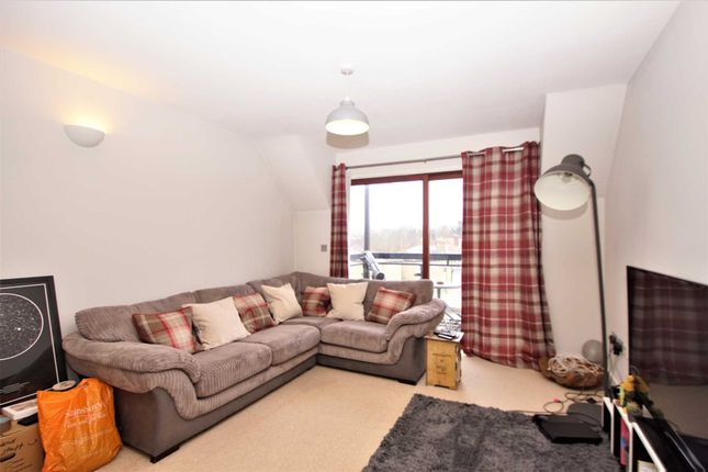 2 bed flat to rent in Conrads Yard, Cowbridge SG14