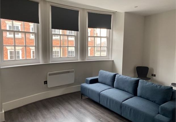 Picture 2 of 1 Market Place Apartments, Newark, Nottinghamshire. NG24