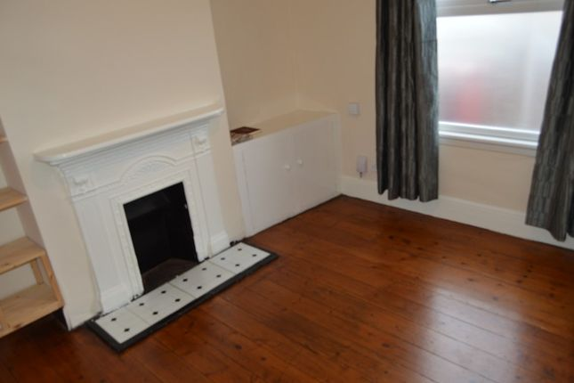 Thumbnail Terraced house to rent in Ledgers Road, Slough, Berkshire.