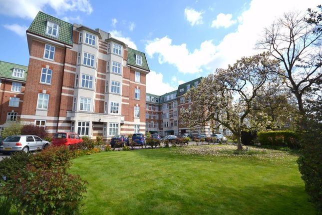 Thumbnail Flat for sale in Haven Green Court, Haven Green, Ealing, London