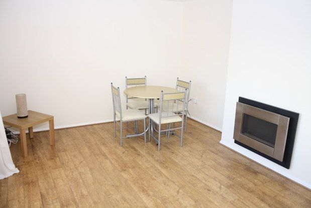 2 bed flat to rent in West Farm Avenue, Newcastle Upon Tyne NE12