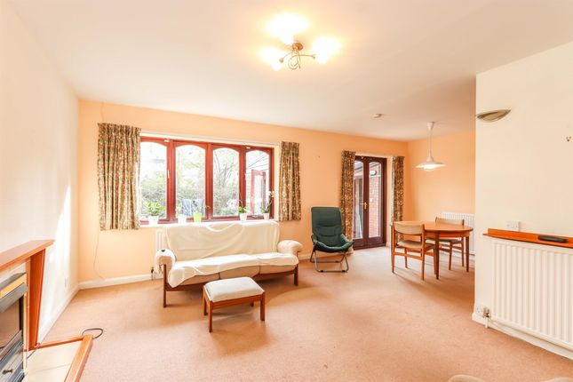 2 bed detached bungalow for sale in Chelsea Court, Sheffield S11