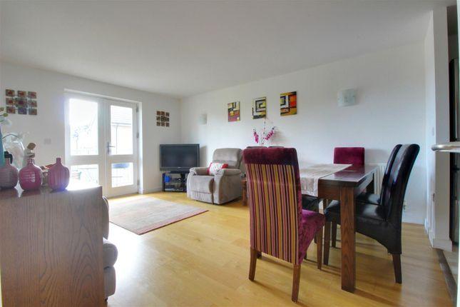 Thumbnail Flat for sale in Pinnata Close, Enfield