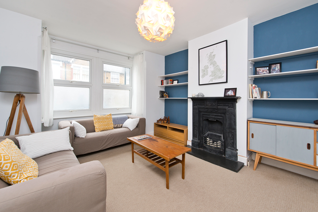 2 bed flat for sale in Surrey Road, London