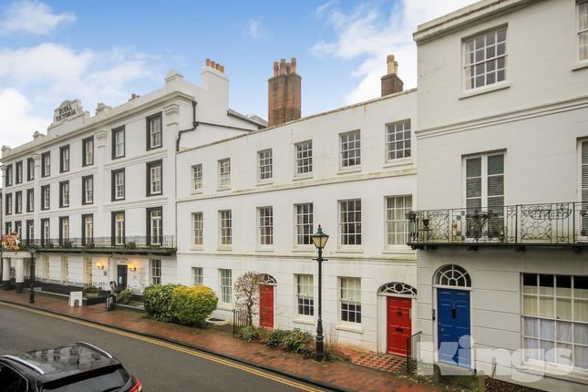 1 bed flat to rent in The Rear, Pantiles, Tunbridge Wells
