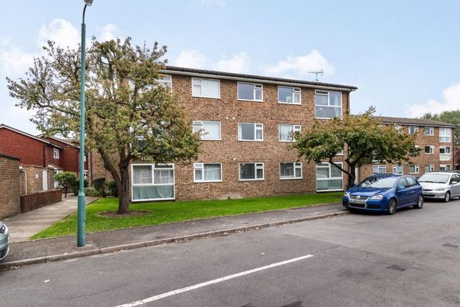 2 bed flat for sale in Findon Court, Chiswick Close, Croydon CR0