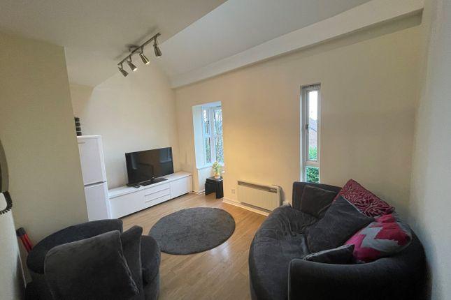1 bed flat for sale in Alexander Close, Barnet EN4