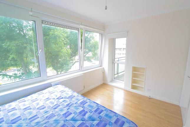 Thumbnail Flat to rent in Dunnico House, East Street, London